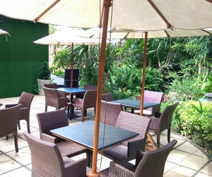 Picking Outdoor Restaurant Furniture Cover